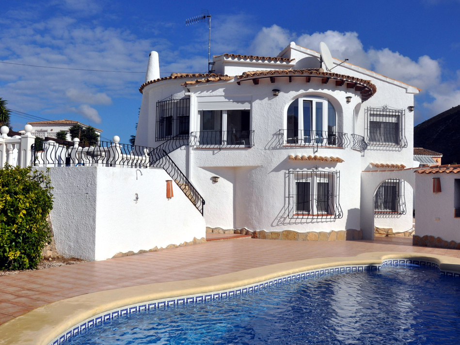 DETACHED SEA VIEW VILLA CLOSE TO MORAIRA